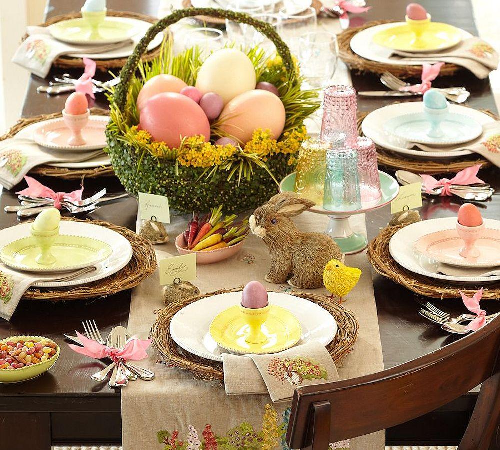 Decorare la tavola di Pasqua con le uova di cioccolato Crispo