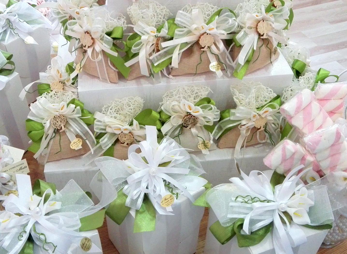 Bomboniere Matrimonio Quanti Confetti.Galateo Dei Confetti Quando Si Danno Le Bomboniere Confetti Crispo