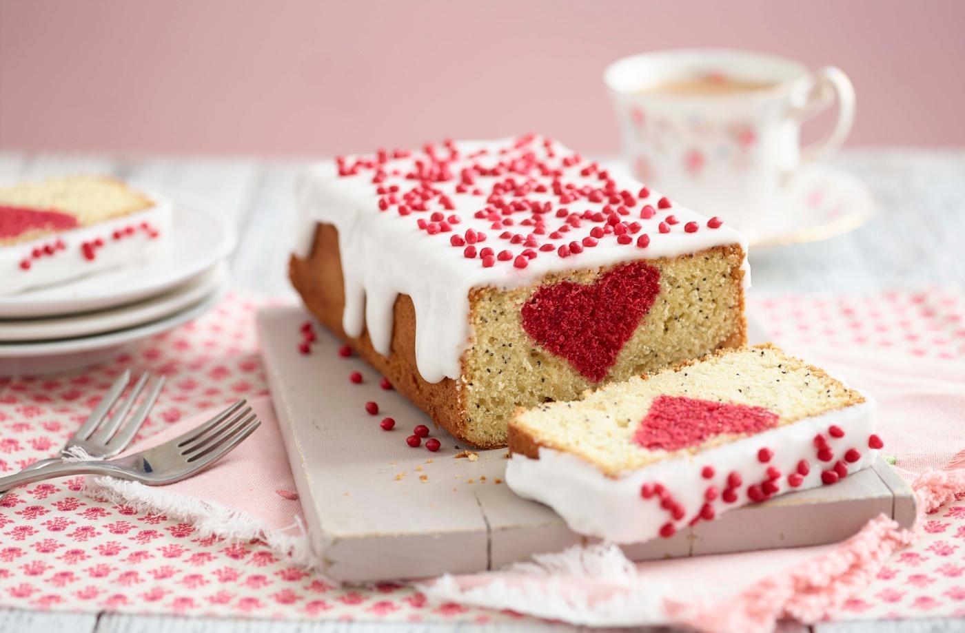 Decorazioni per torte e dolci: libero spazio alla creatività