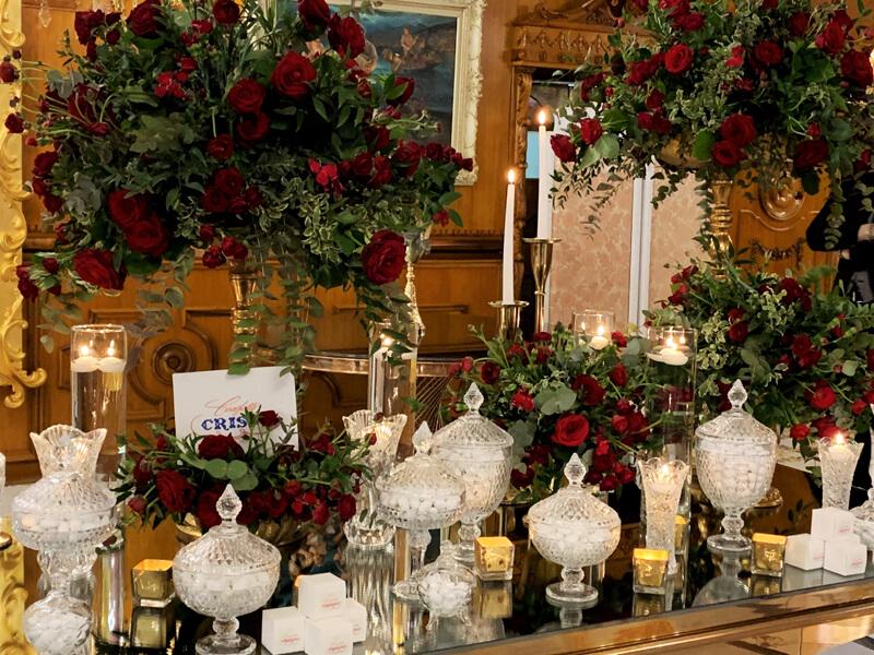 Matrimonio in rosso: idee per una confettata elegante